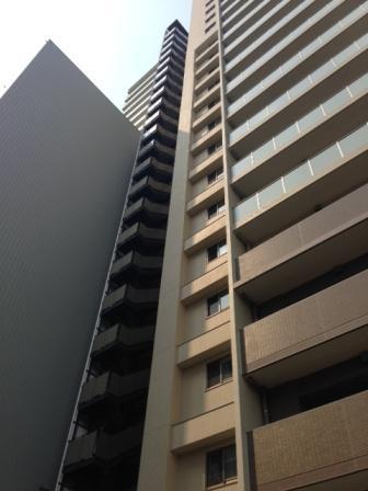 谷町5丁目マンション外部階段 (1).JPG